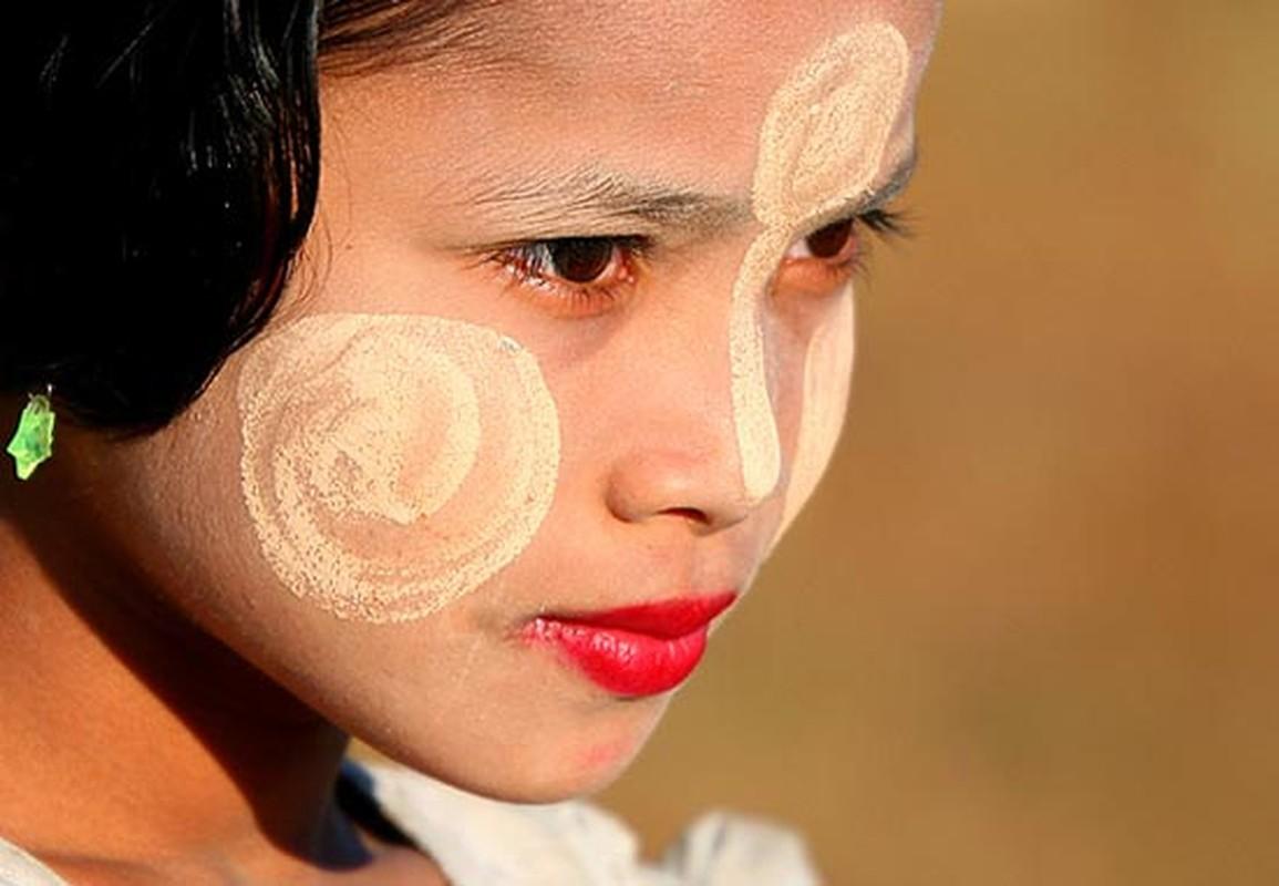 "Kham pha bi quyet lam dep truyen thong ""cuc la"" cua phu nu Myanmar-Hinh-8"
