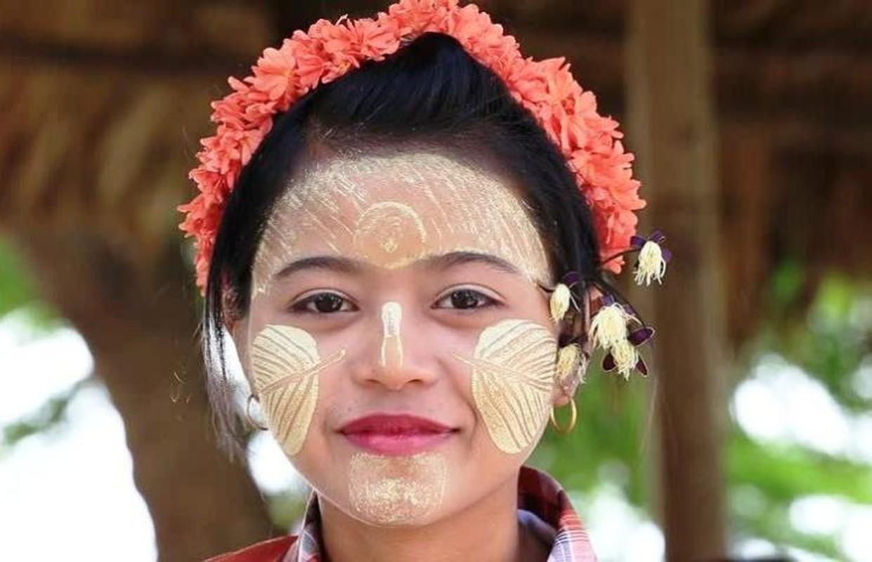 "Kham pha bi quyet lam dep truyen thong ""cuc la"" cua phu nu Myanmar"