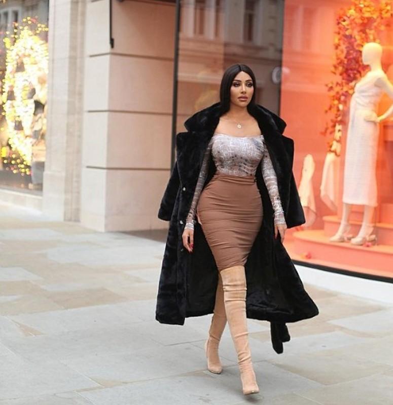 My nhan gay sot vi an mac nong bong y het Kim Kardashian-Hinh-6