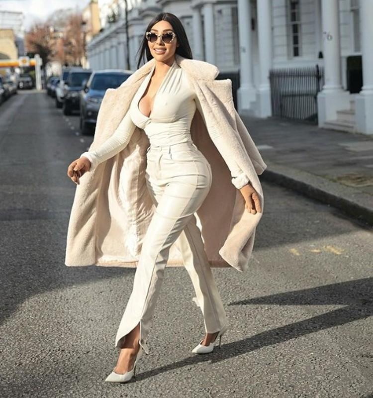 My nhan gay sot vi an mac nong bong y het Kim Kardashian-Hinh-7