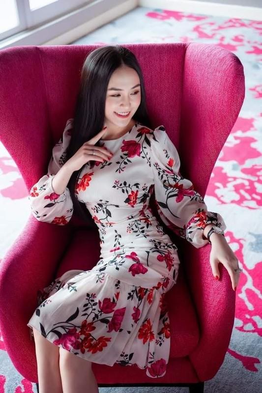 Ba xa Tuan Hung khoe gu thoi trang ngay cang sanh dieu, sang chanh-Hinh-6