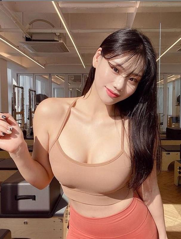 Huan luyen vien gym Han co voc dang dep nhu mo du khong an kieng-Hinh-2