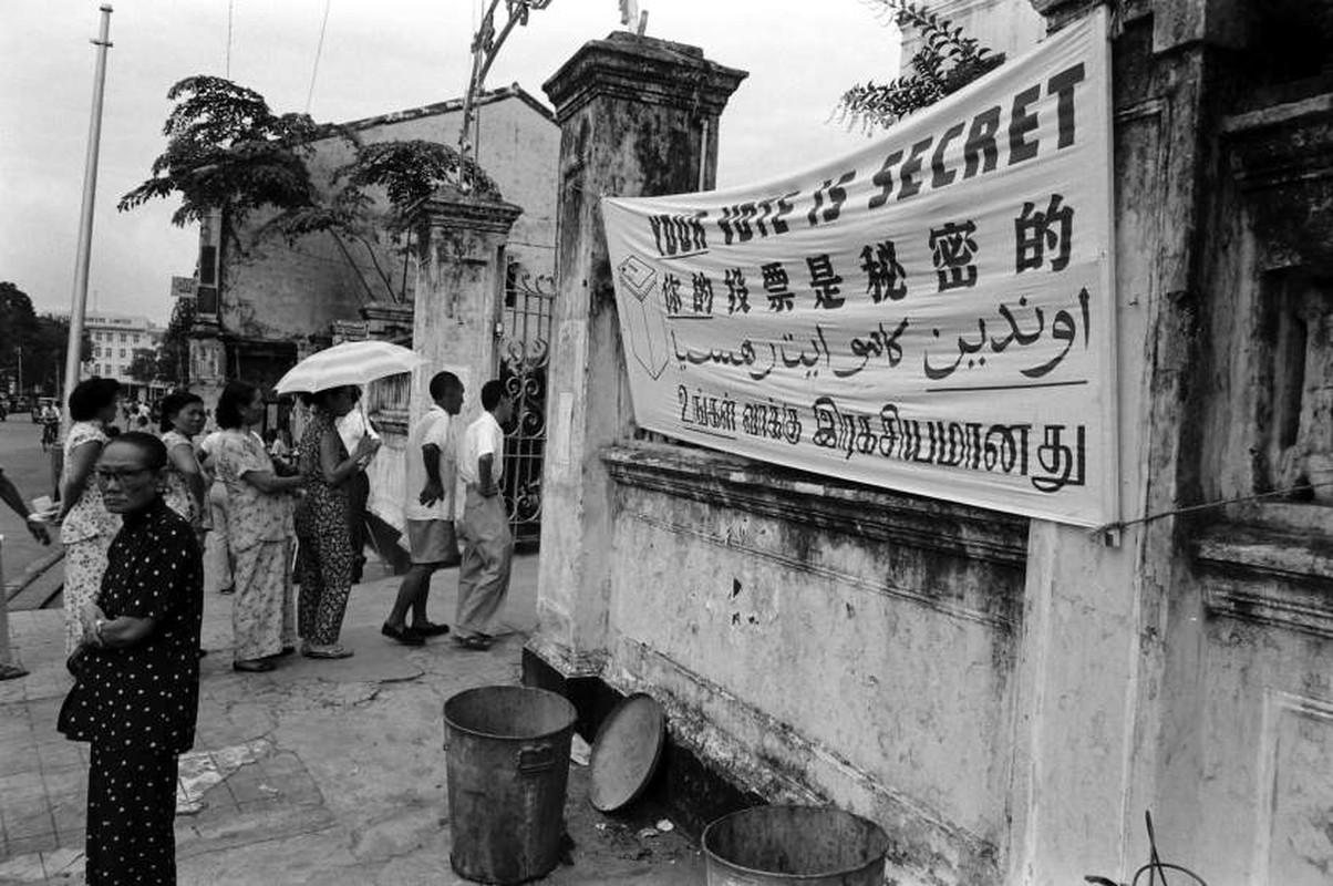 Anh: Ong Ly Quang Dieu trong cuoc tong tuyen cu Singapore 1959-Hinh-2