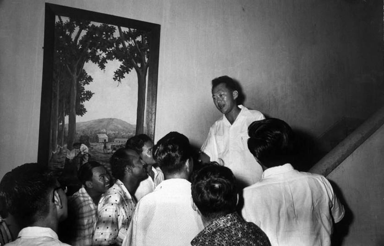 Anh: Ong Ly Quang Dieu trong cuoc tong tuyen cu Singapore 1959-Hinh-5