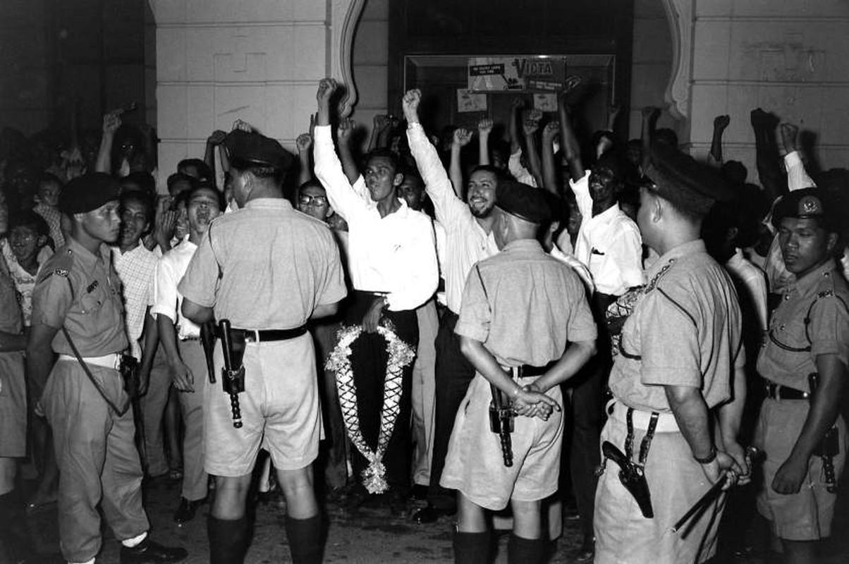 Anh: Ong Ly Quang Dieu trong cuoc tong tuyen cu Singapore 1959-Hinh-6