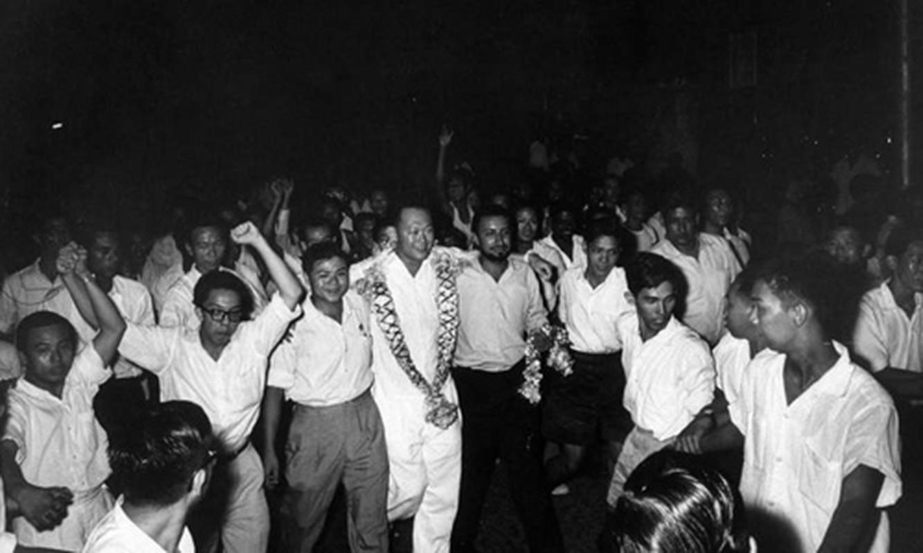 Anh: Ong Ly Quang Dieu trong cuoc tong tuyen cu Singapore 1959-Hinh-9