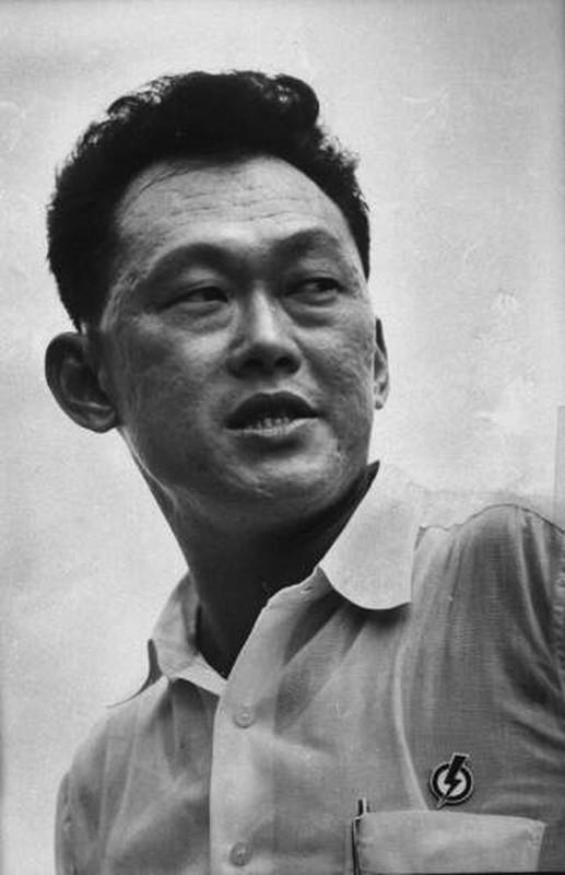 Anh: Ong Ly Quang Dieu trong cuoc tong tuyen cu Singapore 1959