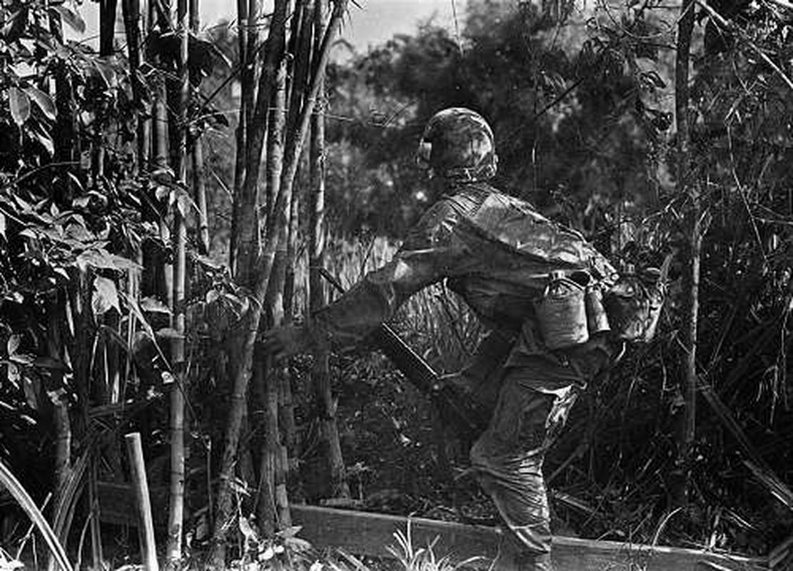 Goc nhin cuc soc ve linh My trong Chien tranh Viet Nam-Hinh-6