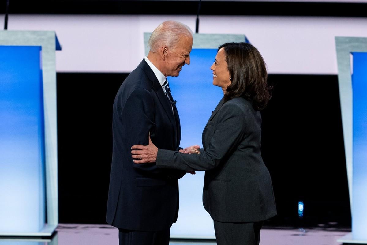 "Vi sao ong Joe Biden ""chon mat gui vang"" ba Kamala Harris lam ""pho tuong""?-Hinh-8"