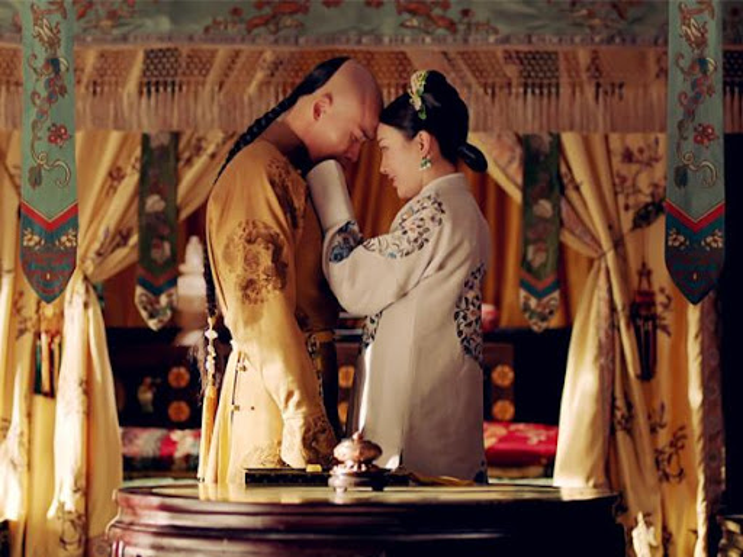"""Hoang de ngo nghech bi hoang hau xau xi """"cam sung"""", long quyen-Hinh-6"""