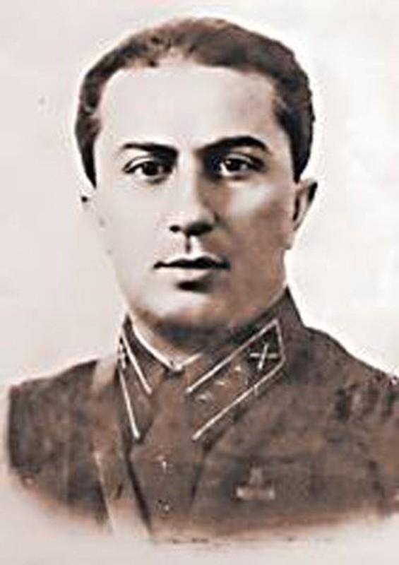So phan con trai nha lanh dao Stalin roi vao tay phat xit Duc-Hinh-2