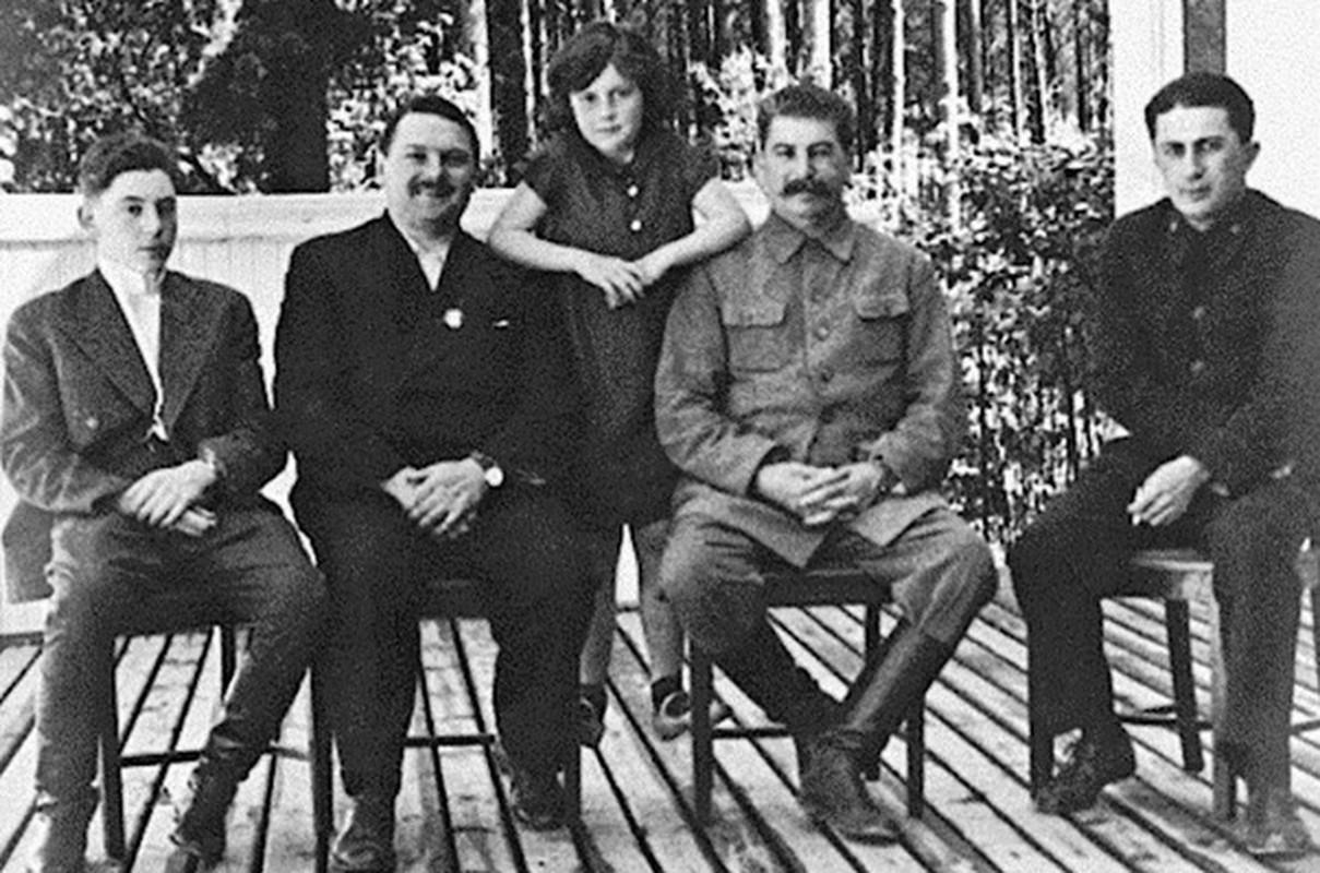 So phan con trai nha lanh dao Stalin roi vao tay phat xit Duc