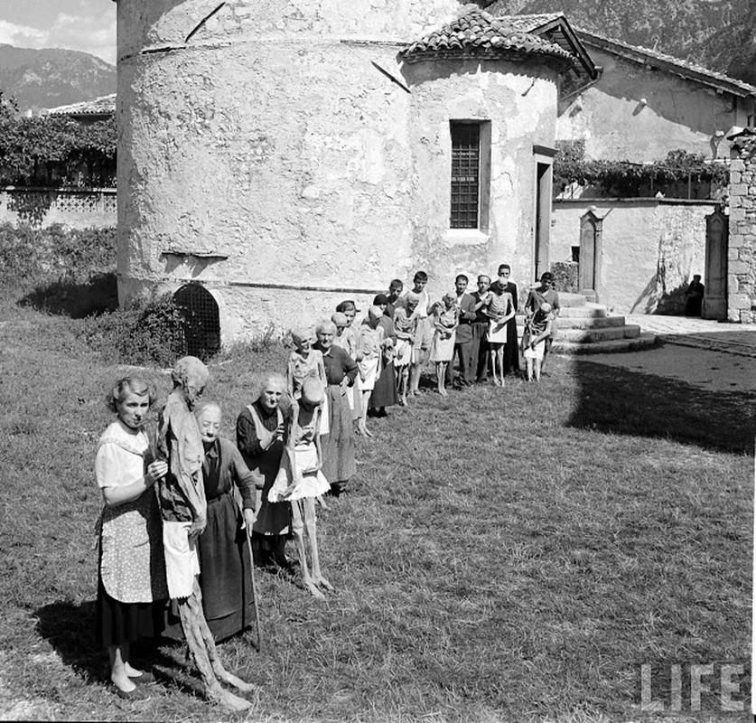 Doc dao xac uop tu nhien o Italy nhung nam 1950-Hinh-2