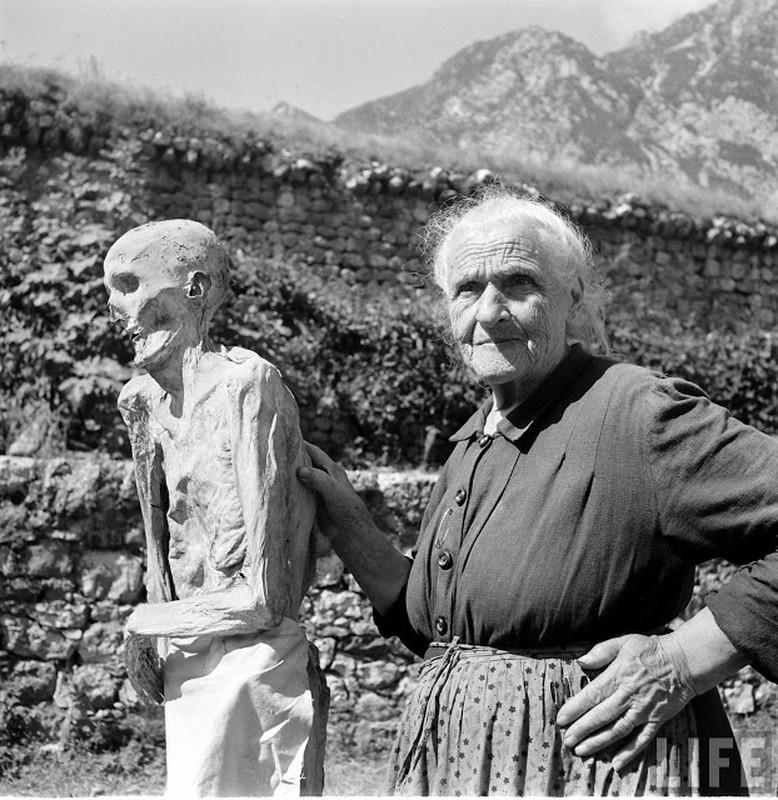 Doc dao xac uop tu nhien o Italy nhung nam 1950-Hinh-6