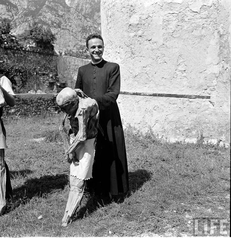 Doc dao xac uop tu nhien o Italy nhung nam 1950-Hinh-9