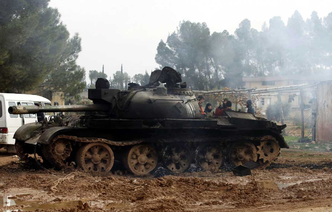 Can canh xe tang T-55 Syria tung hoanh can quet IS-Hinh-9