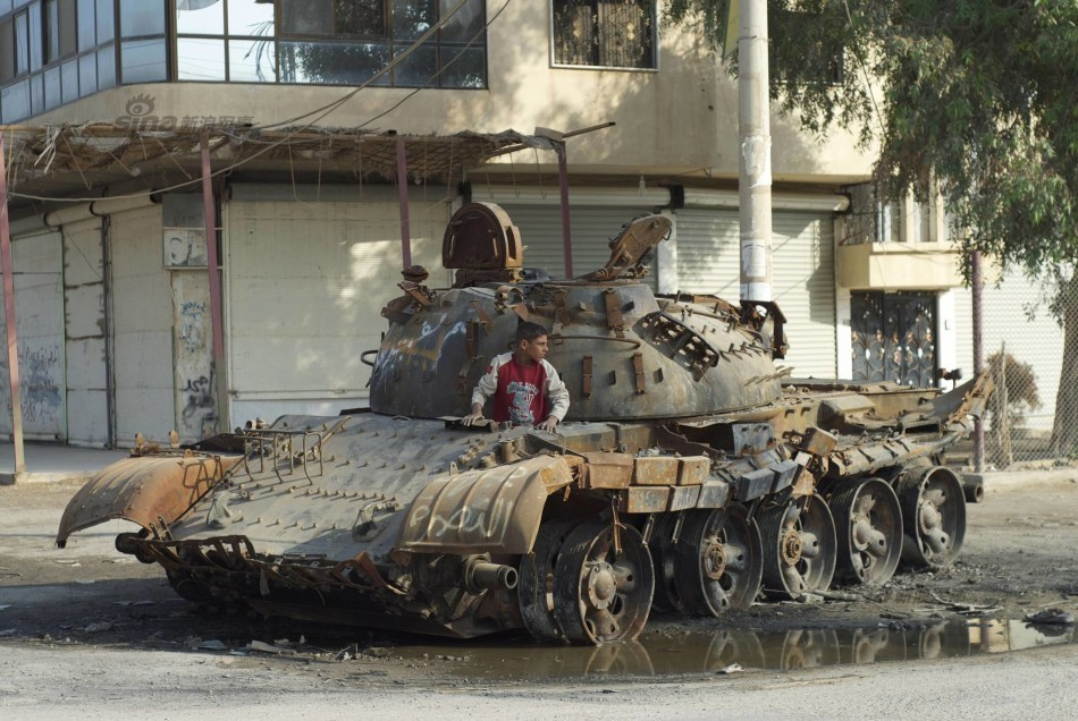 Nhoi long loat anh xe tang T-55 bi huy diet-Hinh-14
