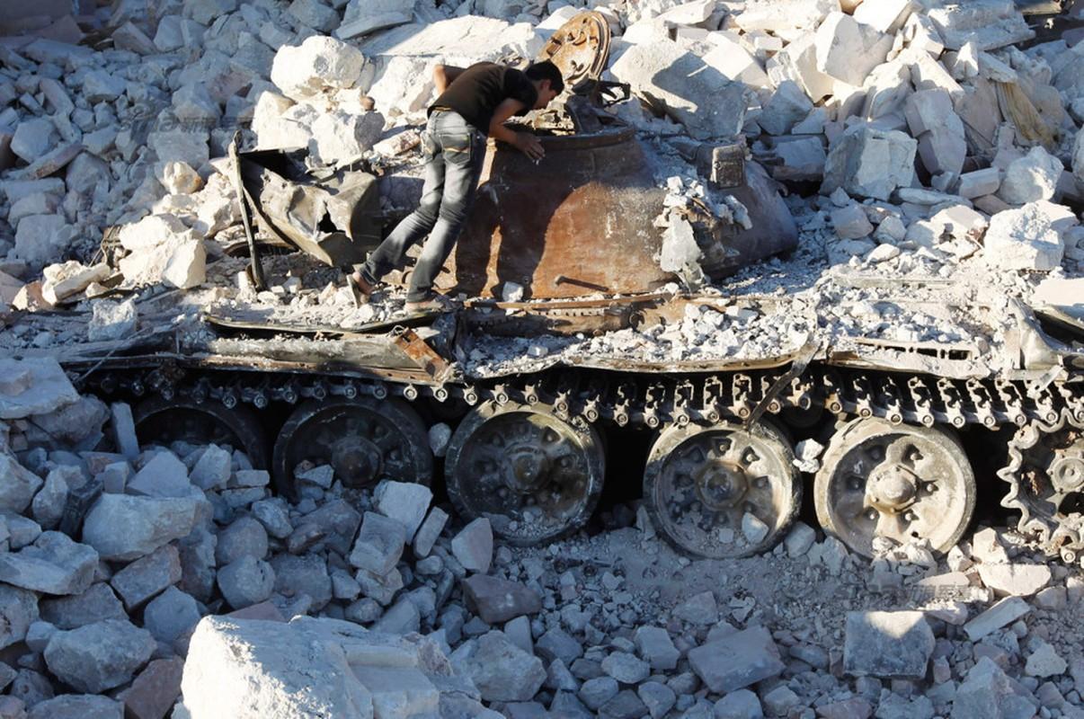Nhoi long loat anh xe tang T-55 bi huy diet-Hinh-8