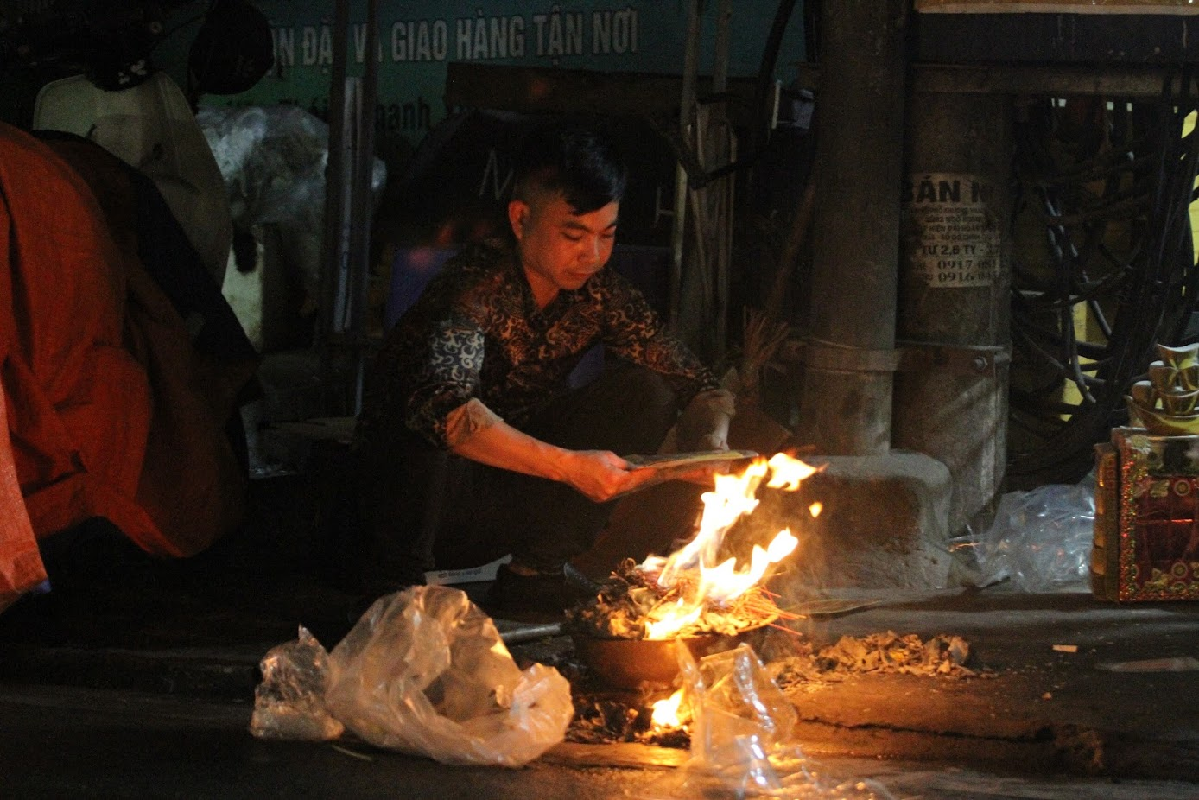 Nguoi dan Ha Noi hoa vang ma Tat nien don nam moi-Hinh-9
