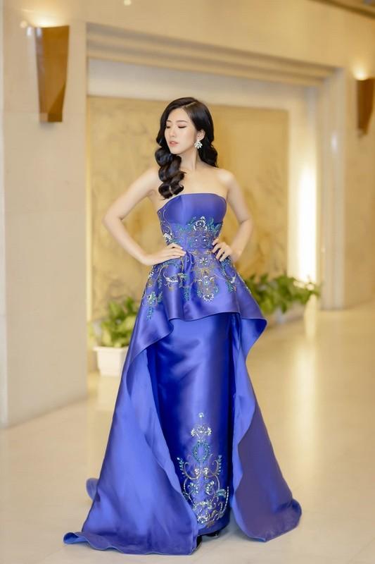Soi dan Hoa khoi cua loat truong dai hoc toan hot girl-Hinh-3