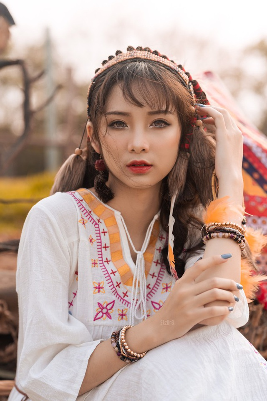 Hoa tho dan sieu de thuong, hot girl 10X Ha thanh gay sot