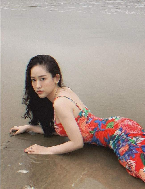 Hot girl Ca Mau sieng dien ao croptop hoa ra ly do la day-Hinh-6
