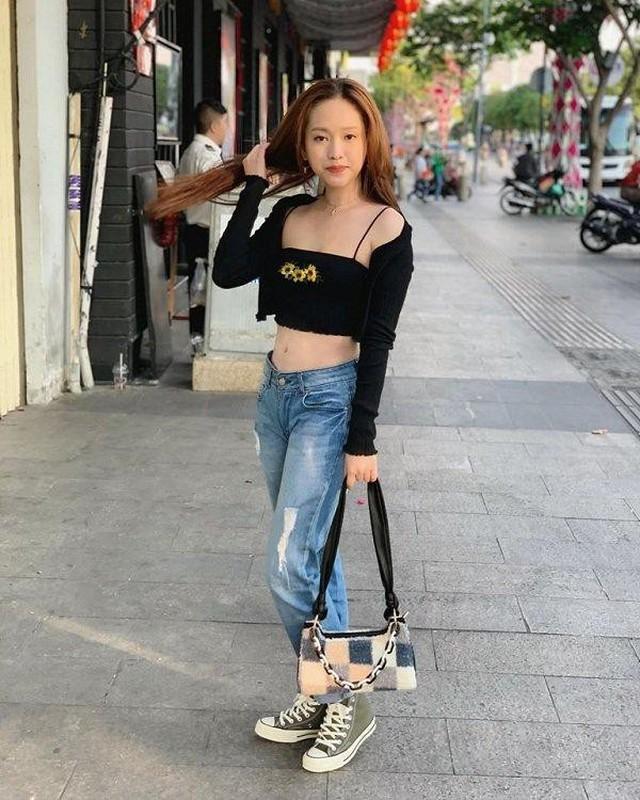Hot girl Ca Mau sieng dien ao croptop hoa ra ly do la day-Hinh-7