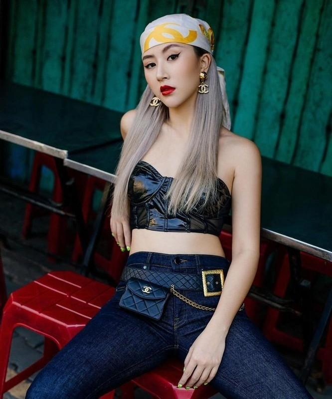 Dien bikini, Quynh Anh Shyn de lo vong 2 khien fan nga ngua-Hinh-7