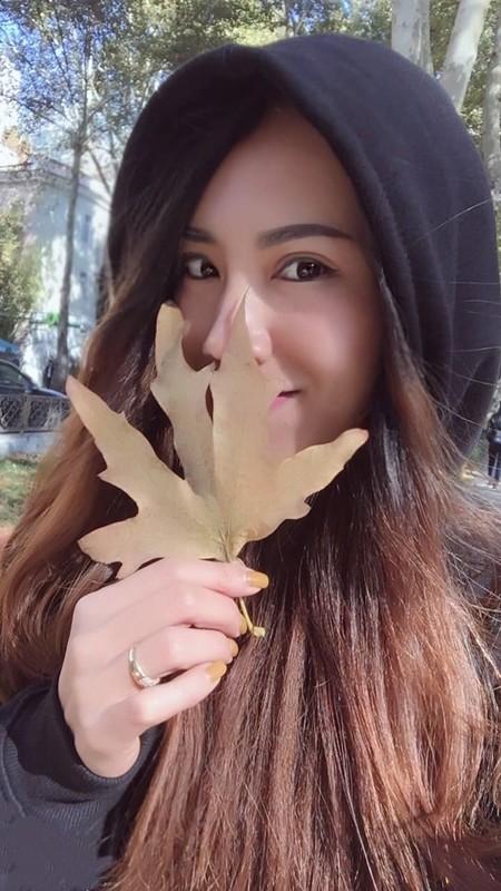 Lo danh tinh nu trong tai Viet Nam duoc netizen san don rao riet-Hinh-8