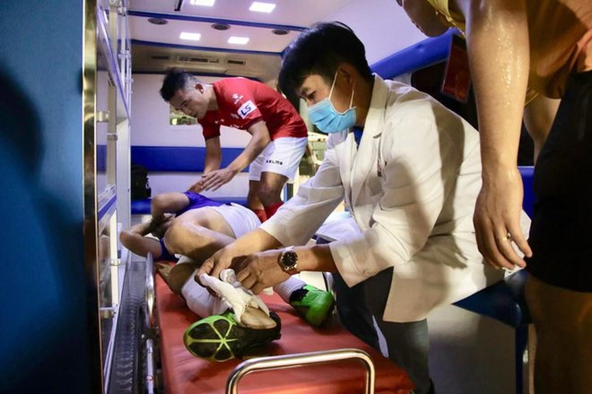 Do Hung Dung gay chan, netizen trut gian len Facebook Ngo Hoang Thinh-Hinh-10