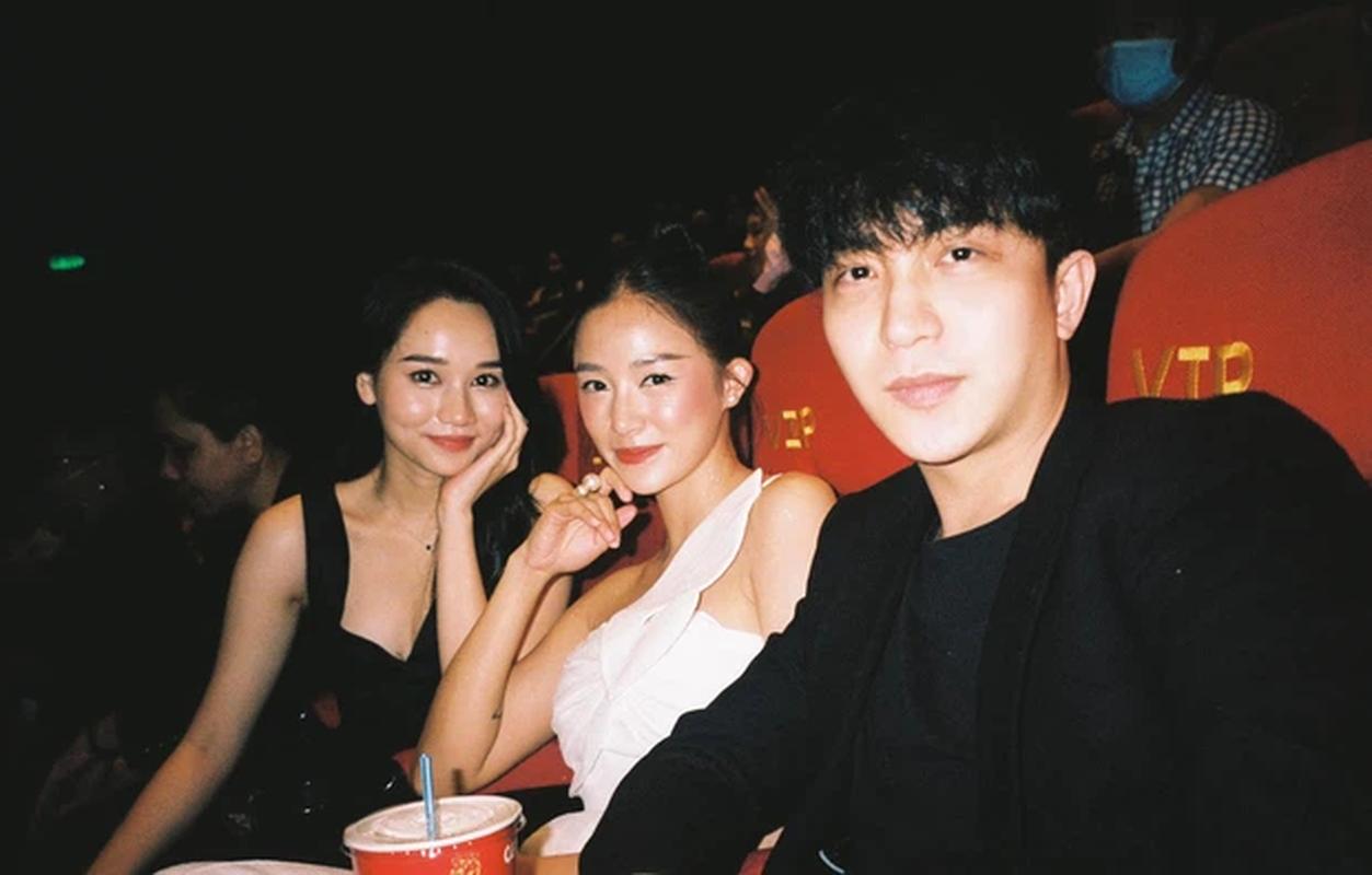 """Hot girl Hà thành tập làm """"người chơi hệ máy film"""", netizen ngã ngửa"""