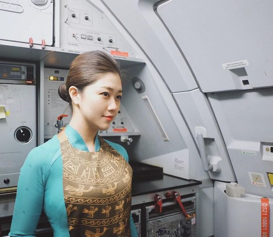 Bi hoi chuyen lay chong, nu tiep vien Vietnam Airlines tra loi cuc kheo-Hinh-12