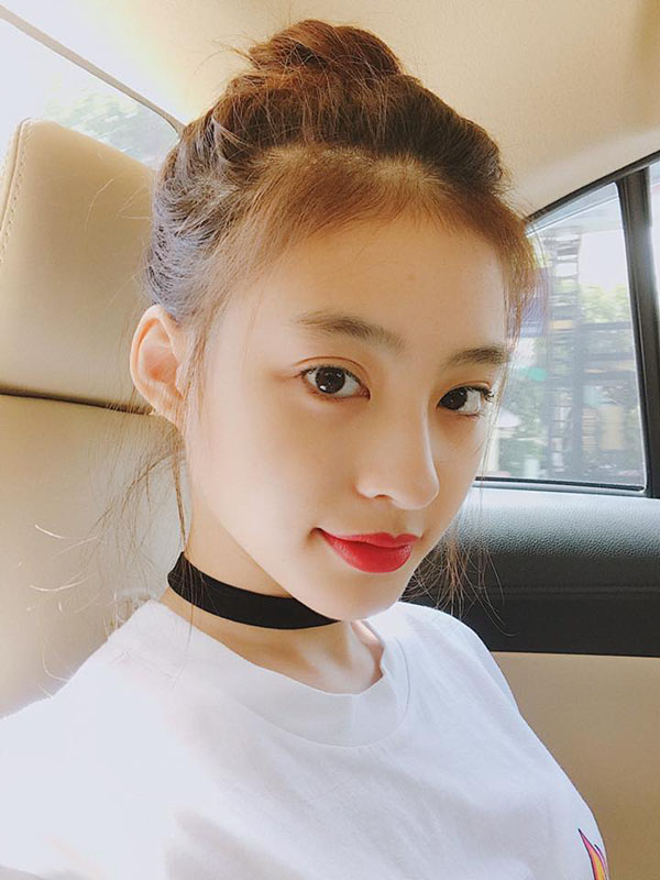 """Hot girl Việt lai Pháp diện """"2 mảnh"""" netizen ngắm hoài không chán"""