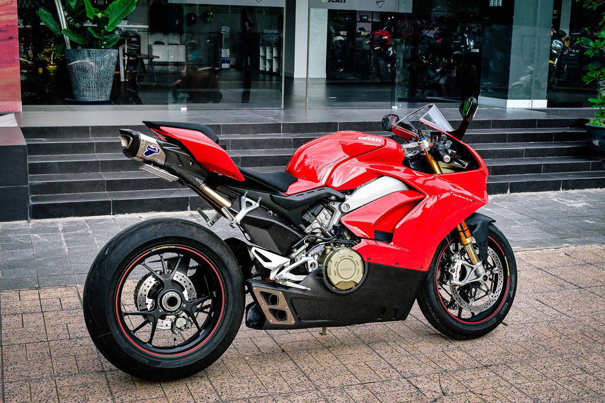 Ducati Panigale V4S do po gan 200 trieu dong o Sai Gon-Hinh-2