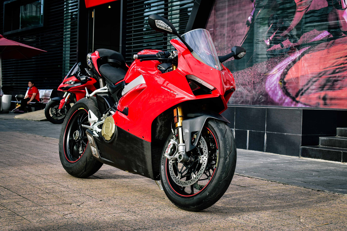 Ducati Panigale V4S do po gan 200 trieu dong o Sai Gon