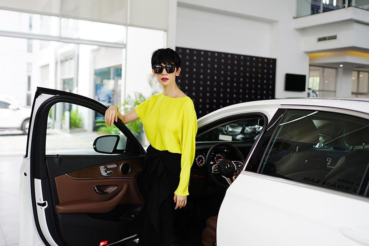 Sieu mau Xuan Lan tau xe sang Mercedes-Benz E200 hon 2 ty-Hinh-3