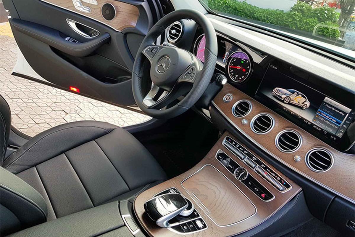 Sieu mau Xuan Lan tau xe sang Mercedes-Benz E200 hon 2 ty-Hinh-5