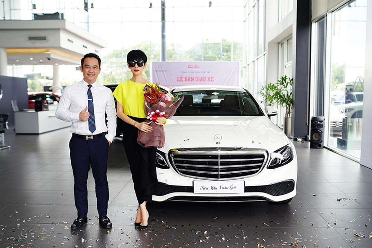 Sieu mau Xuan Lan tau xe sang Mercedes-Benz E200 hon 2 ty-Hinh-9