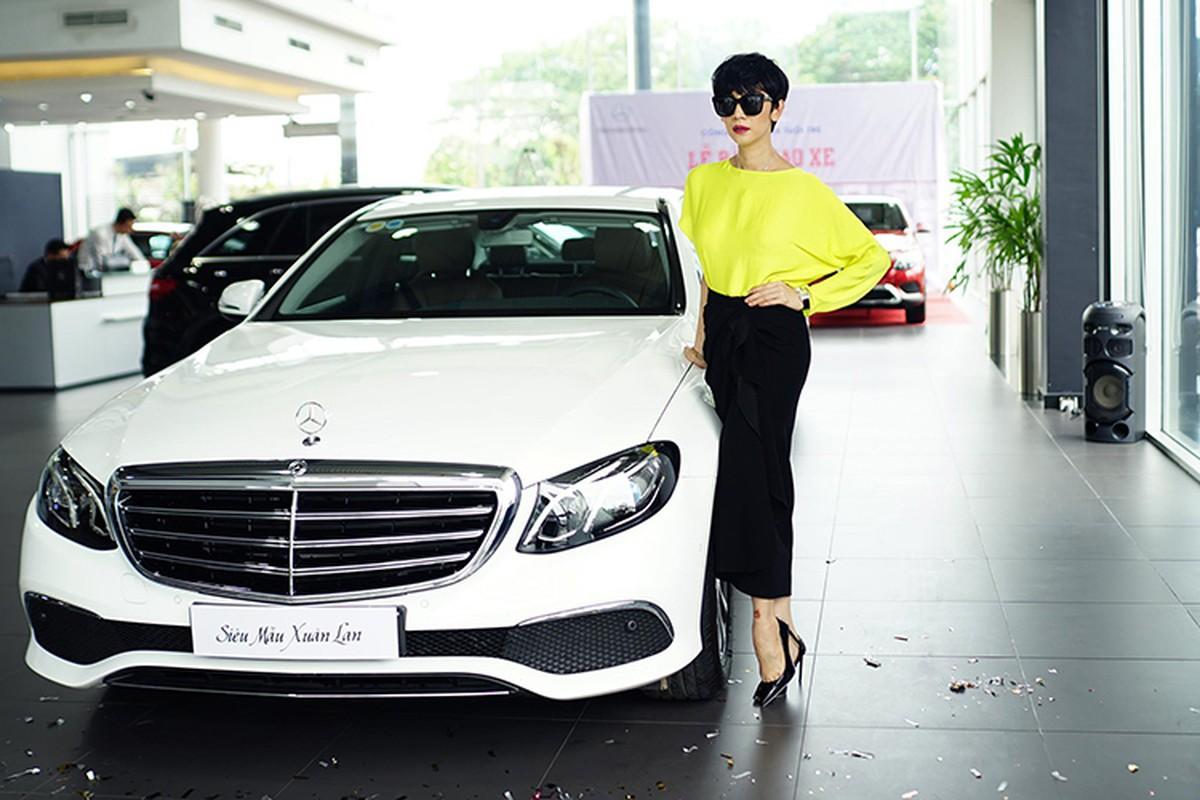Sieu mau Xuan Lan tau xe sang Mercedes-Benz E200 hon 2 ty