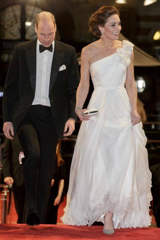 Kate Middleton mac vay coc tay dep nho co bi quyet nay-Hinh-2