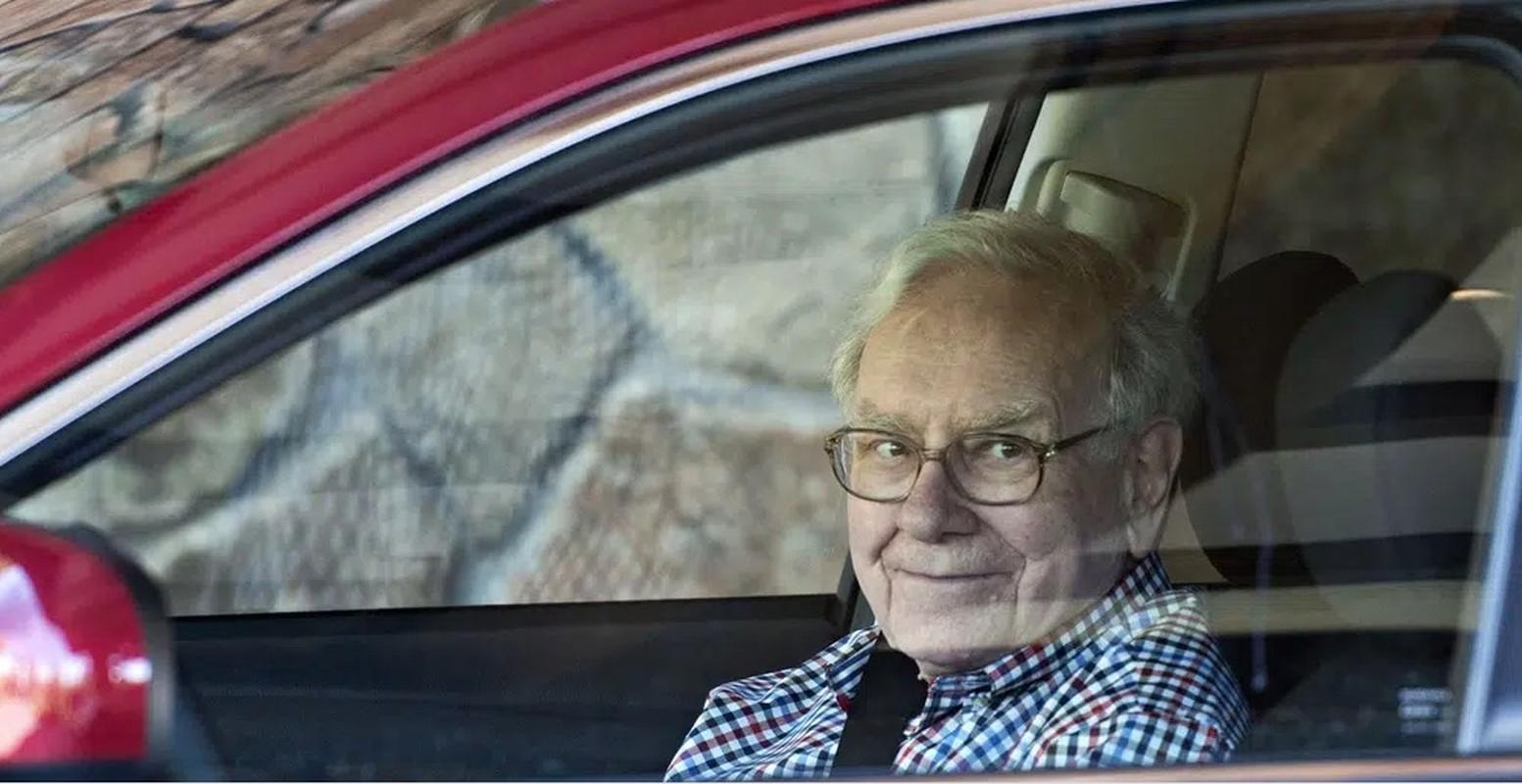 """So huu hon """"100 ty USD""""... khong tuong tuong noi Warren Buffett tieu tien kieu nay-Hinh-11"""