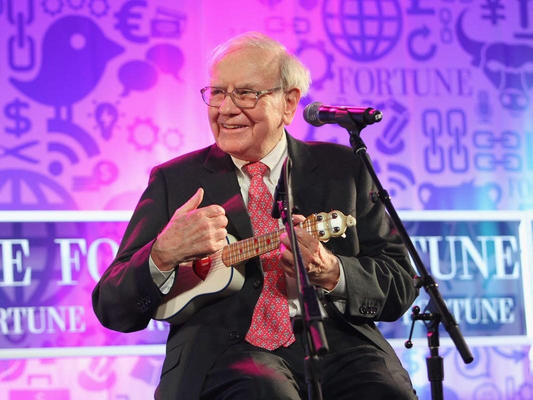 """So huu hon """"100 ty USD""""... khong tuong tuong noi Warren Buffett tieu tien kieu nay-Hinh-2"""