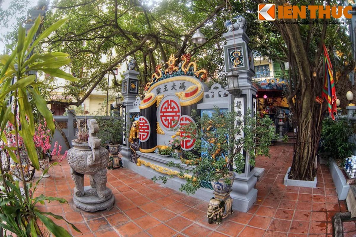 Can canh lang mo giua pho phuong Ha Noi cua vua Phung Hung-Hinh-3