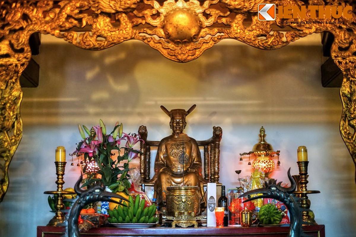 Can canh lang mo giua pho phuong Ha Noi cua vua Phung Hung-Hinh-7