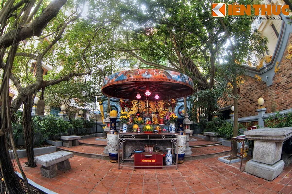 Can canh lang mo giua pho phuong Ha Noi cua vua Phung Hung-Hinh-8