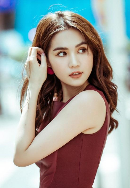 Choang vang biet thu sang chanh 50 ty dong cua Ngoc Trinh ban trai dai gia tang