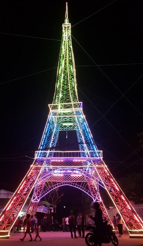 Thap Eiffel xuat hien tai Viet Nam, gioi tre khoe anh check-in-Hinh-12