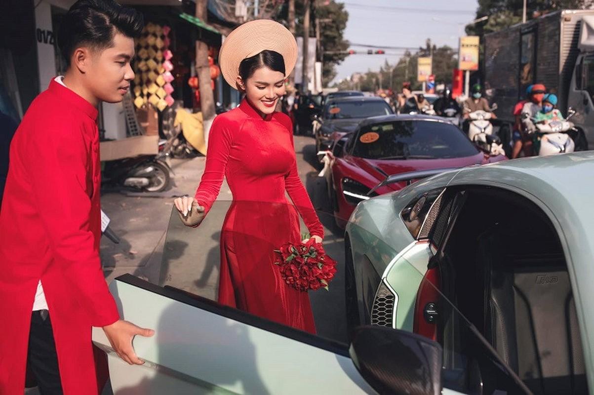 Lo danh tinh co dau trong le ruoc dau toan sieu xe Dong Nai-Hinh-2