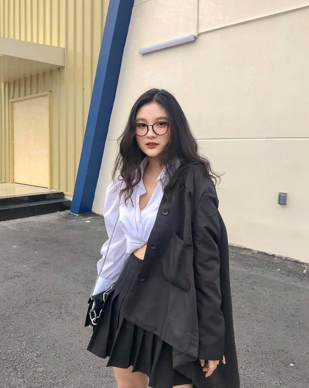 Nu sinh 10X da xinh lai con co tai, chuan mau vo tuong lai-Hinh-8