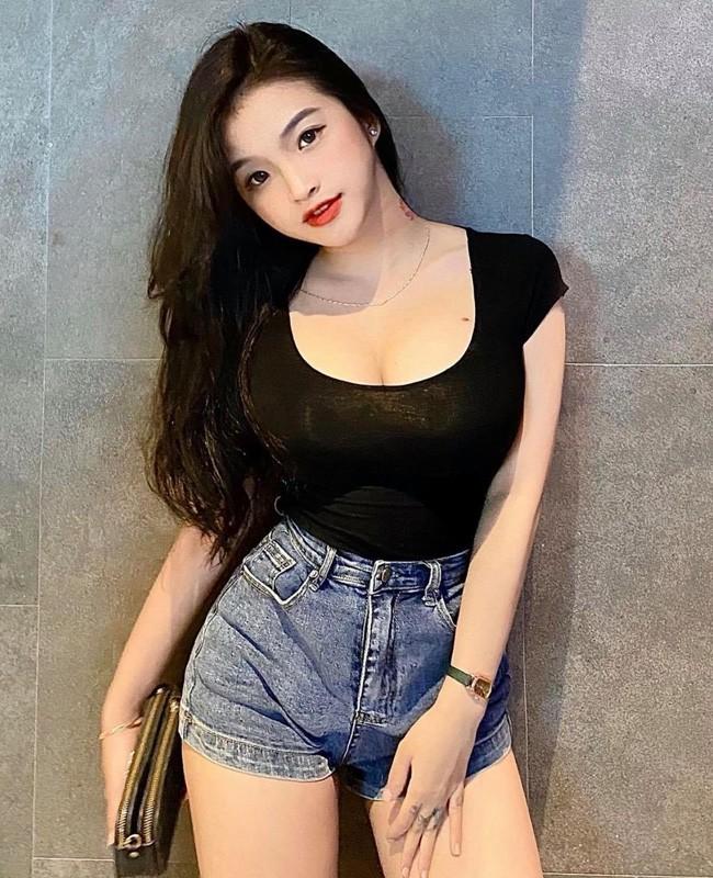 "Hai hot girl Viet gay chu y ""mat hoc sinh, the hinh phu huynh""-Hinh-11"
